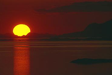 Spectacular midnight sun, taken at 1 am, Bodo, Polar Circle, Norway, Scandinavia, Europe