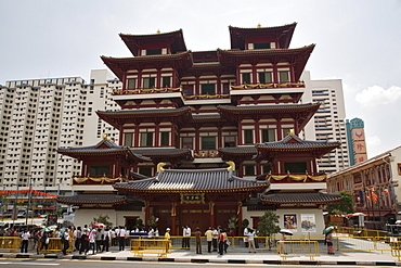 New Buddha Tooth Relic Temple and Museum on South Bridge Road, built as a Buddhist Mandala in Chinese Tang Dynasty style, dedicated to Maitreya, the future Buddha, decorated for Vesak Festival, Chinatown, Outram, Singapore, Southeast Asia, Asia