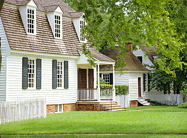 House in Nicholson Street, dating from colonial times, Williamsburg, Virginia, USA, North America