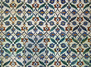 Detail of tiles in the Harem, Topkapi Palace, Istanbul, Turkey, Europe