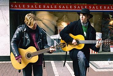 Buskers in Grafton Street, Dublin, Co. Dublin, Republic of Ireland, Europe