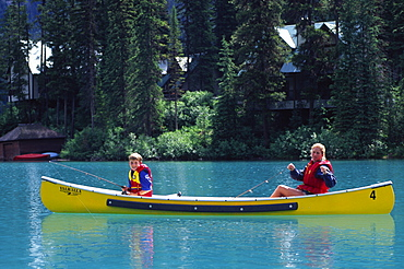 Canoe, Emerald Lake Lodge, Yoho National Park, B.C., Canada