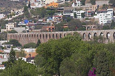 Amazing aqueduct, Queretaro, Queretaro State, Mexico, North America