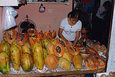 Papaya for sale, market area, Merida, Yucatan, Mexico, North America