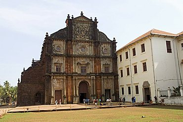 The Basilica of Bom Jesus, built 1594, Old Goa, UNESCO World Heritage Site, Goa, India, Asia