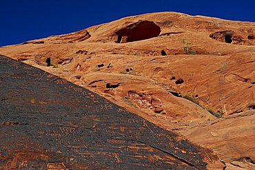Petroglyphs drawn in sandstone by Anasazi Indians around 500 AD, in the Valley of Fire State Park in Nevada, United States of America, North America