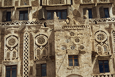 Architectural detail of a decorated house in the old city area of the town of Sana (Sanaa), UNESCO World Heritage Site, capital of north Yemen, Yemen, Middle East