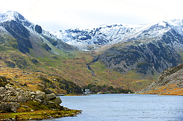 A view of Llyn (lake) Ogwen in Snowdonia National Park, Gwynedd, Wales, United Kingdom, Europe