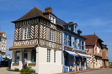 Typical Norman half timbered houses, Beaumont en Auge, Calvados, Normandy, France, Europe
