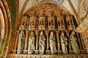 Porch entrance detail with statues of the Apostles, church dating from the 16th and 17th centuries, Guimiliau parish enclosure, Finistere, Brittany, France, Europe