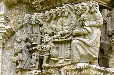 Calvary dating from between 1581 and 1588 ), detail depciting the Last Supper, Guimiliau parish enclosure, Finistere, Brittany, France, Europe