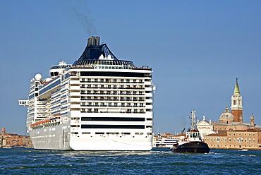 Tourist cruise liner and vaporetto sailing on Bacino di San Marco, Venice, UNESCO World Heritage Site, Veneto, Italy, Europe
