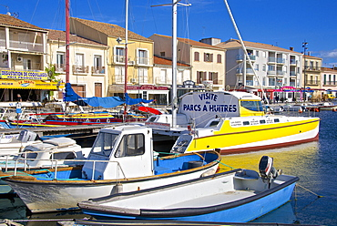 Boats in harbour, Meze, Herault, Languedoc Roussillon region, France, Europe