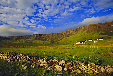 Stone wall and Belnn Bhuldhe, Cleadale, Isle of Eigg, Inner Hebrides, Scotland, UK, Europe