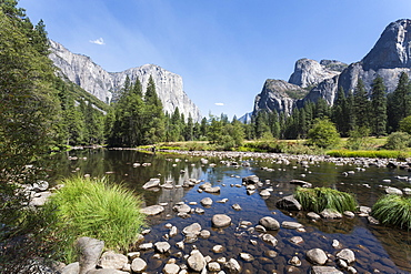 Valley View with El Capitan, Yosemite National Park, UNESCO World Heritage Site, California, United States of America, North America