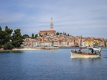 Excursion boat leaving harbour, Rovinj, Istria, Croatia, Europe