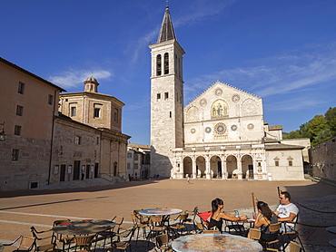 Cafe in the square, Santa Maria Assunta Cathedral, Spoleto, Umbria, Italy, Europe