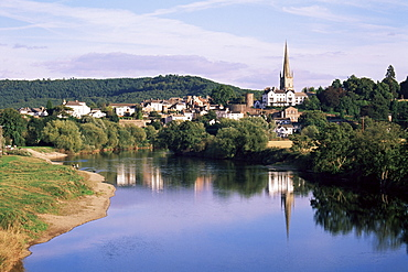 Ross-on-Wye from the river, Herefordshire, England, United Kingdom, Europe