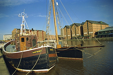 Boats in docks, Gloucester, Gloucestershire, England, United Kingdom, Europe