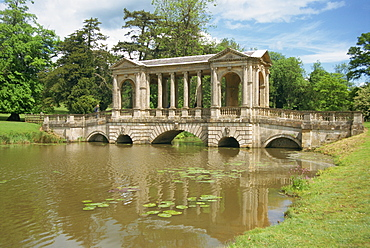 Palladian Bridge, Stowe, Buckinghamshire, England, United Kingdom, Europe