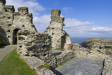 Remains of a medieval coastal clifftop castle, the legendary site of King Arthur's Camelot, Tintagel, Cornwall, England, United Kingdom, Europe