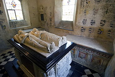 Tombs and effigies of the Hungerford Family, inside the chapel of the 14th century Farleigh Hungerford Castle, Somerset, England, United Kingdom, Europe