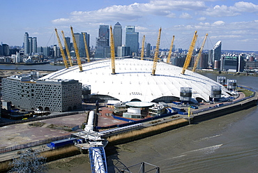 View from the Emirates Air-line looking over the O2 and Canary Wharf, London, SE10, England, United Kingdom, Europe