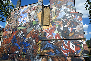 Mural commemorating the Battle of Cable Street, a conflict between the police and fascists (including Oswald Mosley) and anti-fascist groups, 4 October 1936 on Cable Street, London E1, England, United Kingdom, Europe