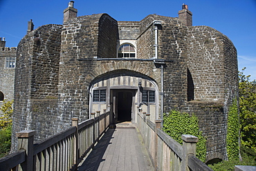 Walmer Castle and Gardens, 16th century artillery fort of Henry VIII, home to Duke of Wellington, near Deal, Kent, England, United Kingdom, Europe