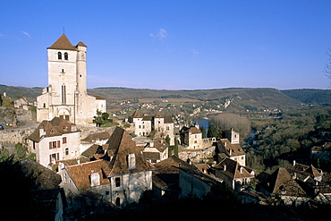 Village of St.- Cirq-Lapopie on a rock above Lot river, Quercy region, Lot, France, Europe