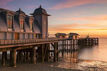 Penarth Pier, near Cardiff, Vale of Glamorgan, Wales, United Kingdom, Europe