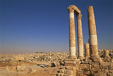 Columns and ruins, the temple of Hercules, Roman archaeological site, the Citadel, Amman, Jordan, Middle East