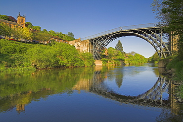 The world's first Ironbridge built by Abraham Darby over the River Severn at Ironbridge Gorge, UNESCO World Heritage Site, Shropshire, England, United Kingdom, Europe