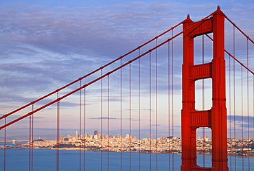 The Golden Gate Bridge, linking the city of San Francisco with Marin County, taken from the Marin Headlands at sunset with the city in the background, Marin County, San Francisco,  California, United States of America, North America