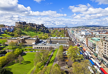 Edinburgh city skyline with the castle and Princes Street, Edinburgh, Lothian, Scotland, United Kingdom, Europe