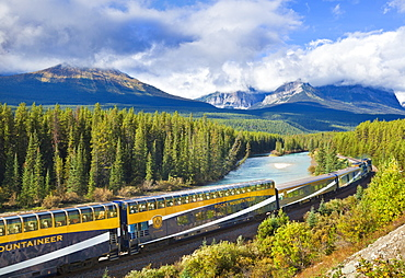 Rocky Mountaineer train at Morant's curve near Lake Louise in the Canadian Rockies, Banff National Park, UNESCO World Heritage Site, Alberta Canada, North America