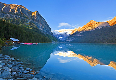 Early morning sunrise, Lake Louise, Banff National Park, UNESCO World Heritage Site, Alberta, Canadian Rockies, Canada, North America