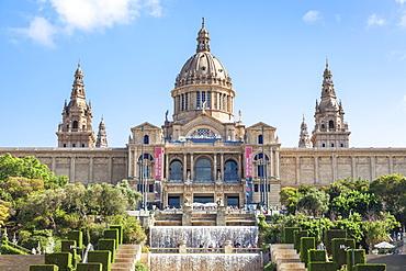 The Magic Fountain of Montjuic below the Palau Nacional, MNAC, National Art Gallery, Barcelona, Catalonia (Catalunya), Spain, Europe