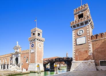 Porta Magna at the Venetian Arsenal (Arsenale di Venezia), a Byzantine shipyard and armoury, Venice, UNESCO World Heritage Site, Veneto, Italy, Europe