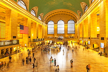 Busy marble concourse departure hall of Grand Central Terminal, Grand Central Station, Manhattan, New York, United States of America, North America