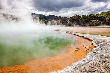 The Champagne Pool, Wai-o-tapu Thermal Wonderland, geothermal area, Waiotapu, Rotorua, North Island, New Zealand, Pacific