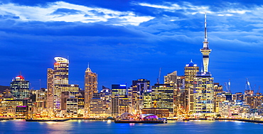 Auckland skyline, Sky Tower, Waitemata Harbour, CBD, and wharf area of the waterfront, Auckland, North Island, New Zealand, Pacific