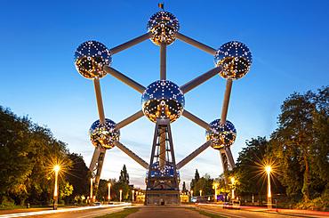 Brussels Atomium at night, Square de l'Atomium, Boulevard de Centaire, Brussels, Belgium, Europe