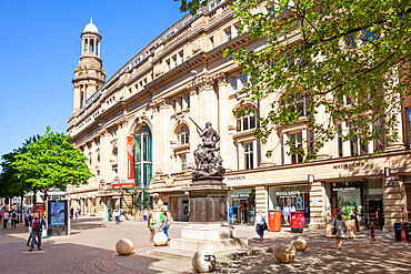 Royal Exchange Theatre and Boer War Memorial Exchange street St Annes Square Manchester City centre Manchester UK GB