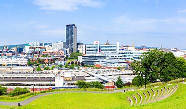 skyline city centre train station sheffield hallam university and Sheffield Amphitheatre Sheffield South Yorkshire England UK