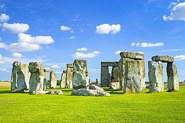 Stonehenge Neolithic stone circle, UNESCO World Heritage Site, Salisbury Plain, Wiltshire, England, United Kingdom, Europe