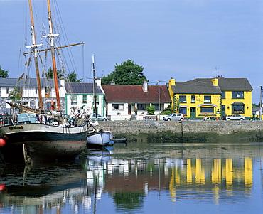 Kinvara, Galway Bay, County Galway, Connacht, Eire (Republic of Ireland), Europe