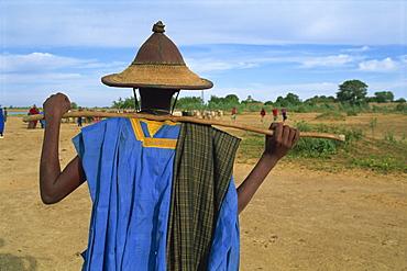 Peul man during transhumance, Sofara, Mali, West Africa, Africa