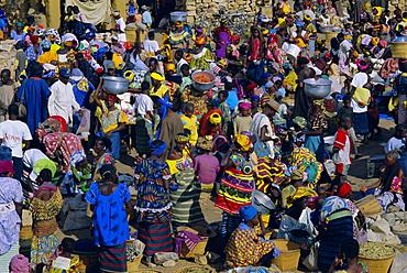 Dogon market, Sanga (Sangha), Bandiagara escarpment, Dogon region, Mali, Africa