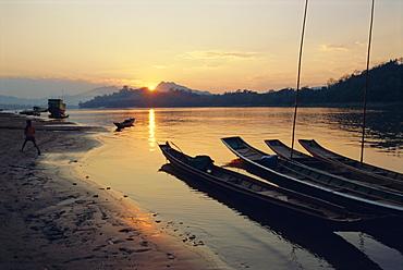 Mekong River, Luang Prabang, Laos, Asia